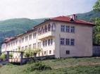Баткунски манастир - Жилищната сгрда