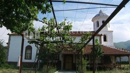 Баткунски манастир - Лозницата в двора (Снимка 3 от 23)