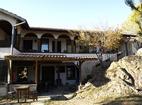 Батулийски манастир - Жилищната сгЦърквата на Батулийсрада