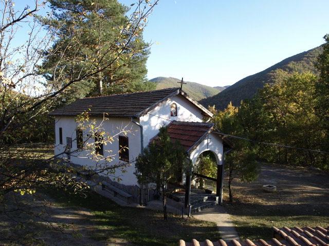 Батулийски манастир - Църквата на манастира (Снимка 1 от 9)