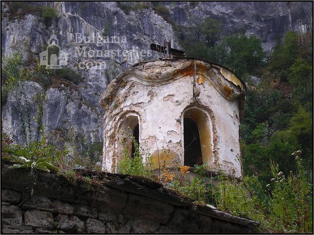 Бистрецки манастир  - Купола на църквата (Снимка 2 от 15)