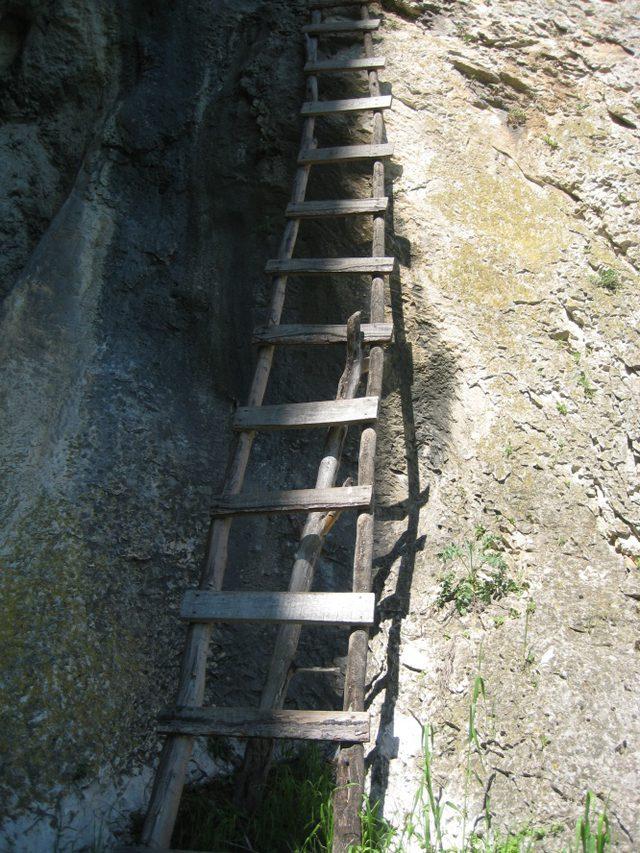 Бистрецки манастир  - Стълбата към Постница (Снимка 9 от 15)