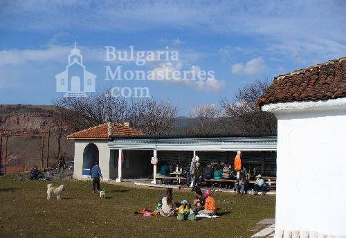 Буховски манастир - Комплексът (Снимка 4 от 5)