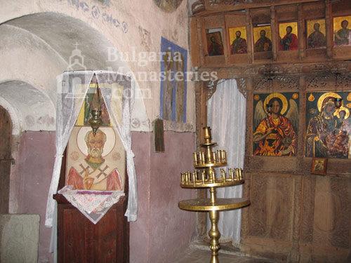 Чекотински манастир (Снимка 11 от 17)