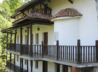 Чекотински манастир - Жилищната сграда