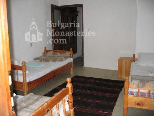 Чекотински манастир - Стаите за гости (Снимка 15 от 17)