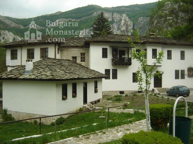 Черепишки манастир (Снимка 15 от 29)