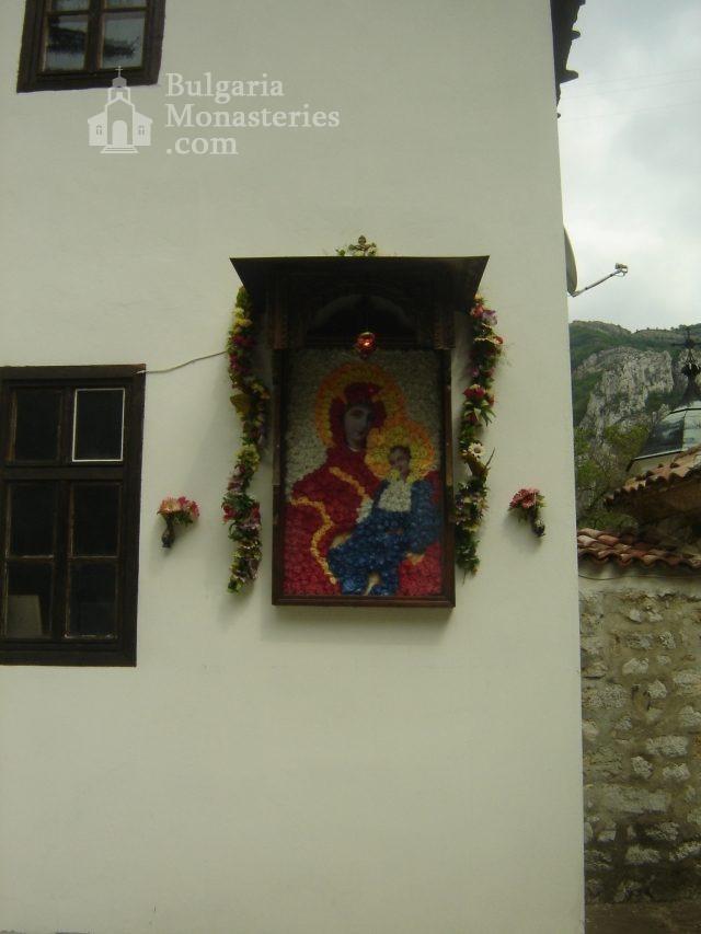 Черепишки манастир (Снимка 21 от 29)