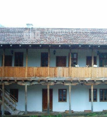 Чипровски манастир - Жилищните сгради (Снимка 10 от 18)
