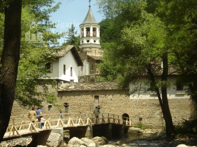 Дряновски манастир (Снимка 1 от 22)