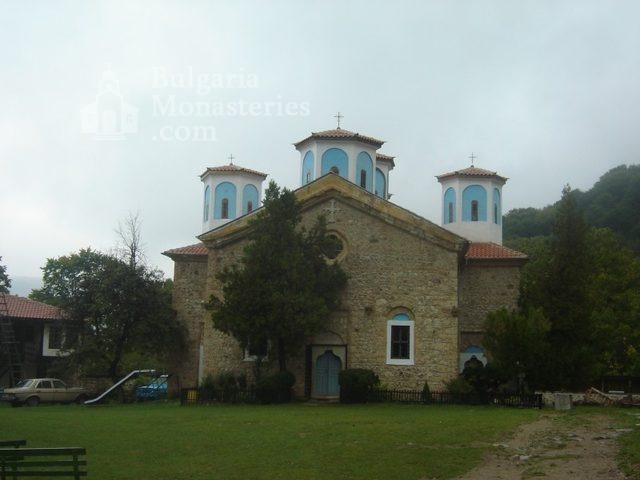 Етрополски манастир (Снимка 2 от 29)