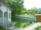 Горнобрезнишки манастир - Дворът на манастира