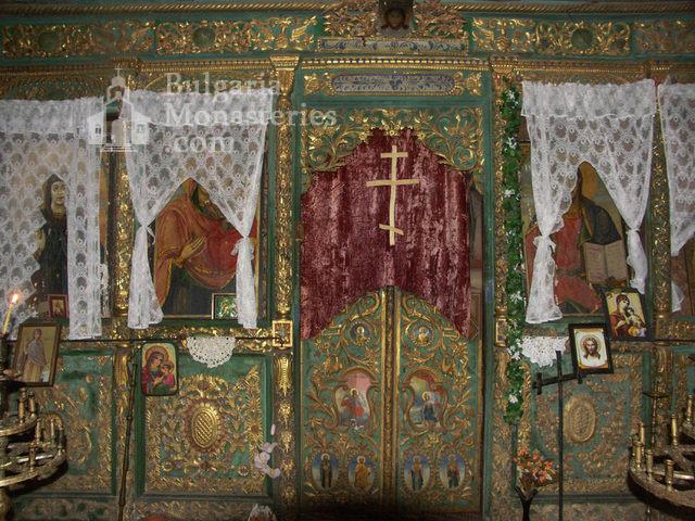 Горноводенски манастир - Иконостасът в църквата (Снимка 9 от 20)