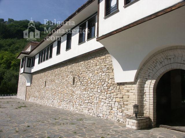 Горноводенски манастир - Манастирските стени (Снимка 15 от 20)
