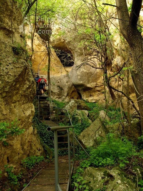 Ивановски манастир - Входа на Господев Дол (Снимка 30 от 41)