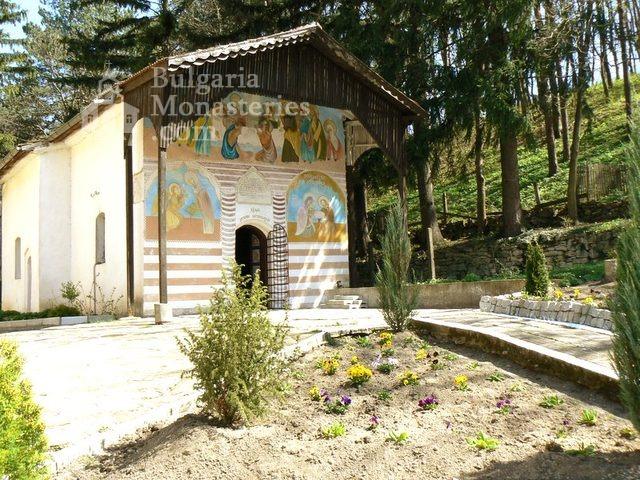 Изворски манастир - Църквата (Снимка 5 от 5)