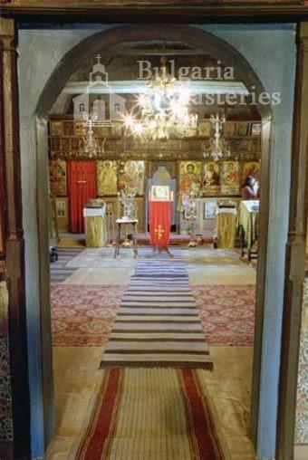 Къпиновски манастир - Църквата от вътре (Снимка 7 от 20)