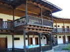 Килифаревски манастир  - Жилищните сгради