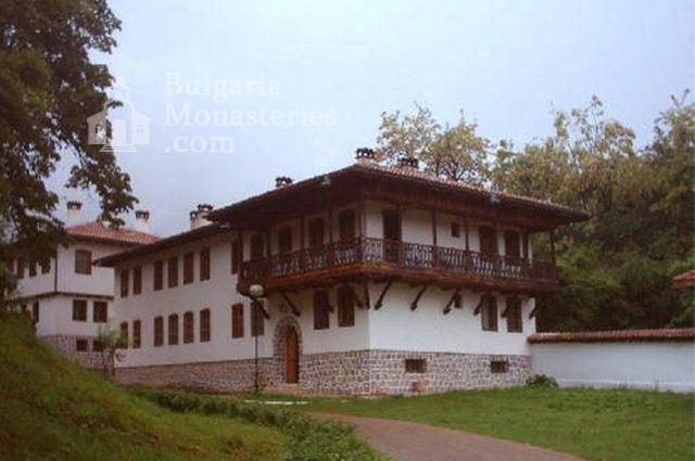 Клисурски манастир - Жилищна сграда (Снимка 2 от 34)
