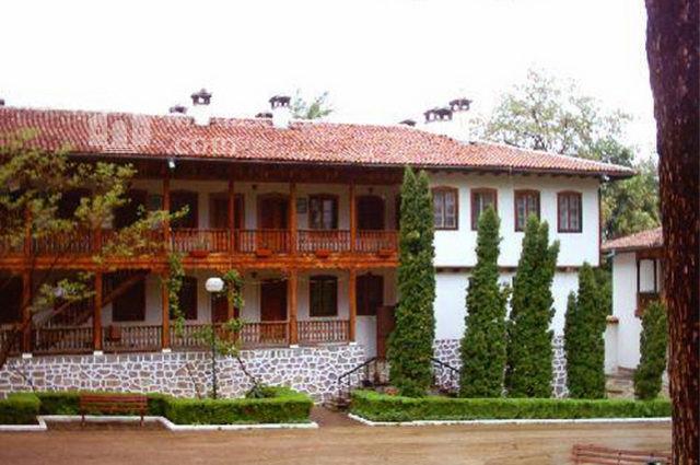 Клисурски манастир - Жилищна сграда (Снимка 4 от 34)