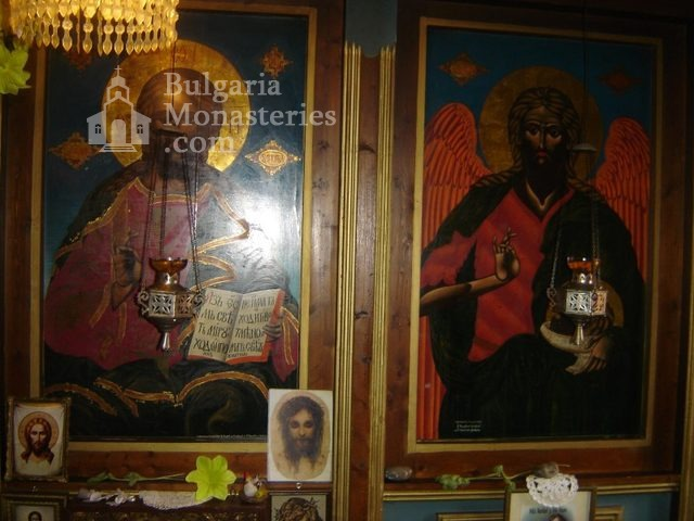 Копривецки манастир - Олтарът в църквата (Снимка 15 от 18)