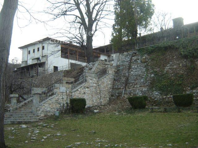 Кукленски манастир - Дворът (Снимка 4 от 27)