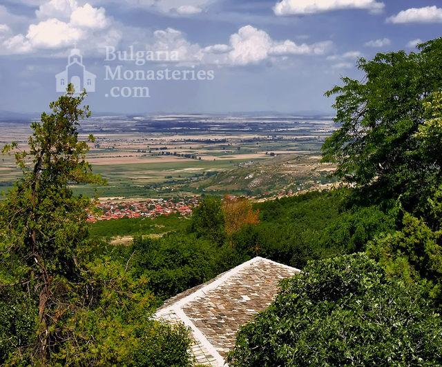 Кукленски манастир - Изглед от манастира (Снимка 2 от 27)