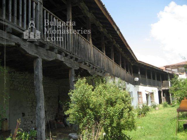 Мулдавски манастир - Жилищните сгради (Снимка 13 от 31)