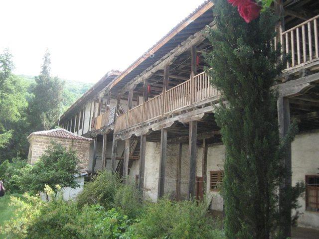Мулдавски манастир - Жилищните сгради (Снимка 15 от 31)