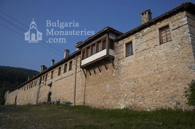 Мулдавски манастир - Манастирските стени (Снимка 20 от 31)