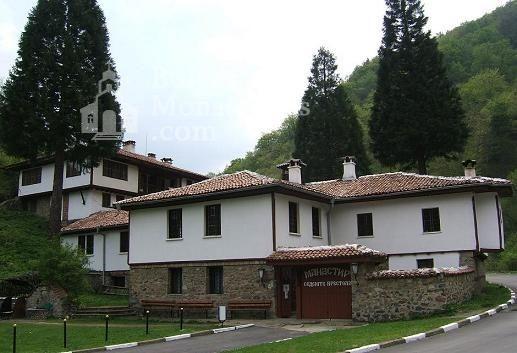 Осеновлашки манастир - Комплексът от вън (Снимка 8 от 27)