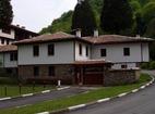 Осеновлашки манастир - Комплексът от вън