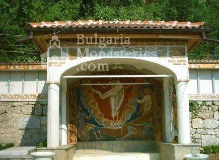 Патриаршески манастир - Чешмата в двора (Снимка 13 от 23)