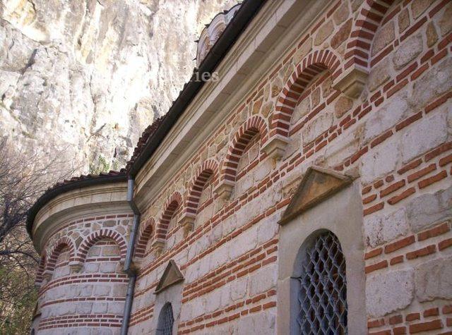 Патриаршески манастир - Детайл от църквата (Снимка 8 от 23)