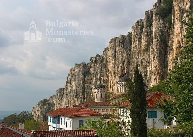 Патриаршески манастир - Комплексът от вън (Снимка 3 от 23)