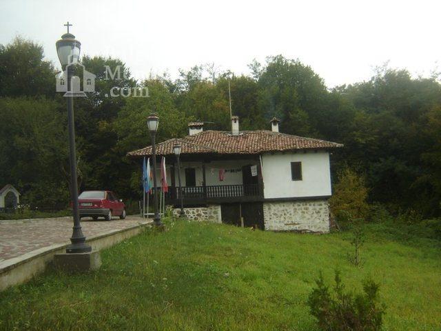 Правешки манастир (Снимка 21 от 21)
