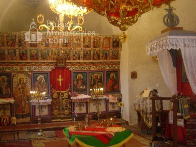 Правешки манастир - Иконостасът (Снимка 18 от 21)