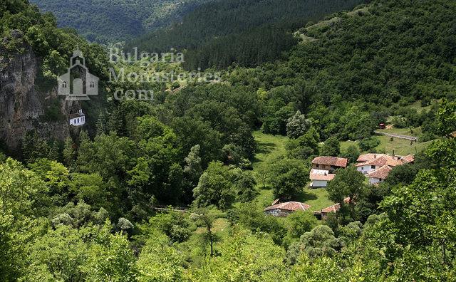 Разбоишки манастир (Снимка 1 от 27)