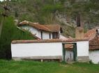 Разбоишки манастир - Входът на манастира