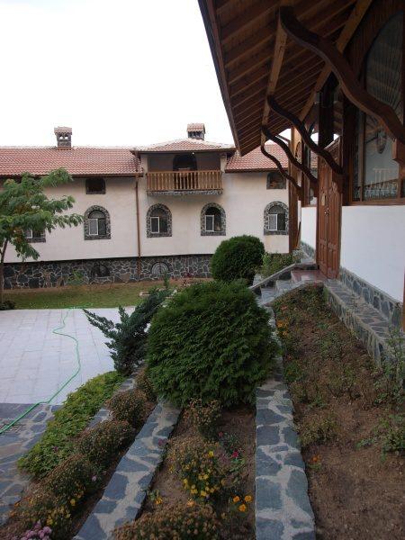 Ресиловски манастир (Снимка 11 от 29)