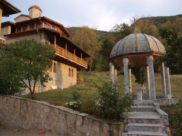 Ресиловски манастир (Снимка 18 от 29)