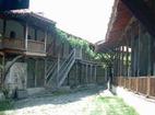 Роженски манастир  - Дворът