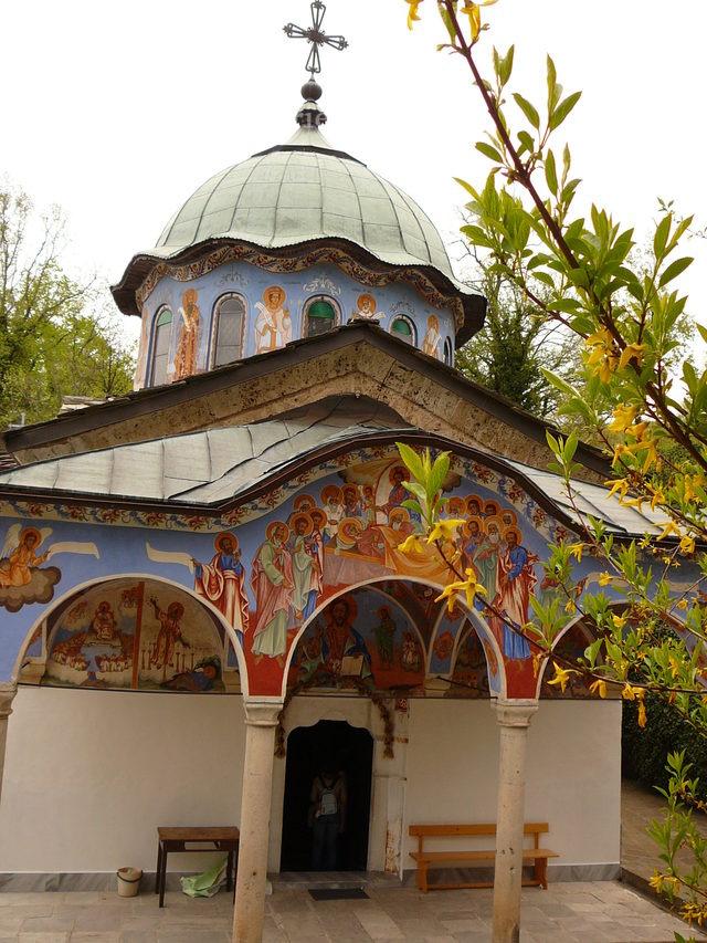 Соколски манастир - Входът на църквата (Снимка 20 от 40)