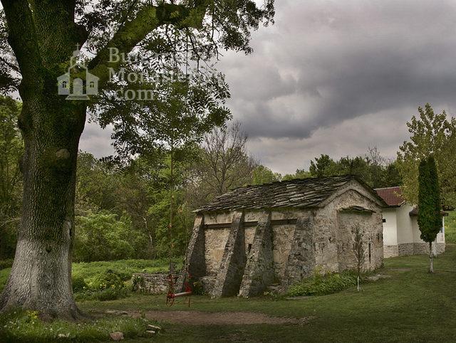 Струпешки манастир (Снимка 1 от 11)