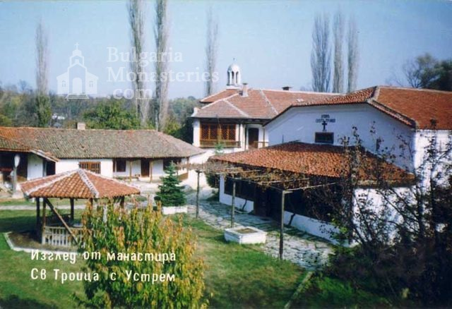 Устремски манастир (Снимка 9 от 23)