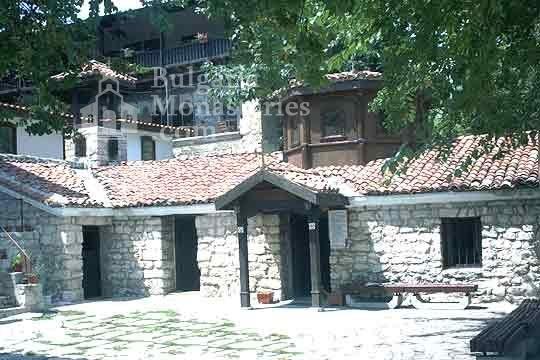 Варненски манастир - Църквата
