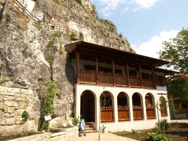 Basarbovo Monastery   (Picture 6 of 34)