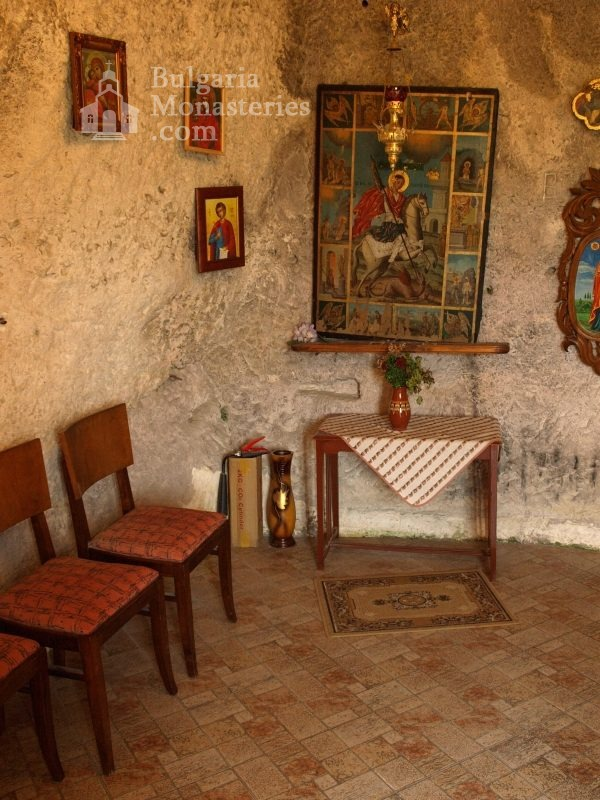 Basarbovo Monastery   - The church (Picture 17 of 34)