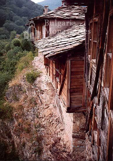 Glozhene Monastery (Picture 2 of 33)
