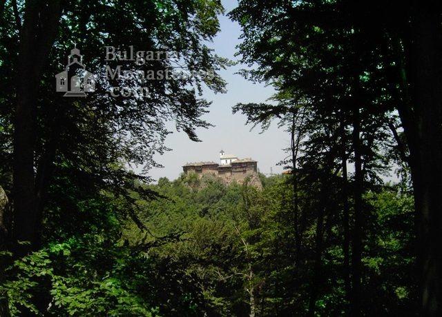 Glozhene Monastery (Picture 3 of 33)
